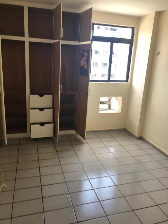 Apartamento com 3 dormitórios para alugar, 80 m² por R$ 1.300/mês
