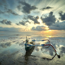 Jukung at Karang Beach by Pranata Setiaji - Landscapes Beaches ( #sunrise #beach #beachbali #karangbeach #boat #travelphotography #indonesiatravelphotography )