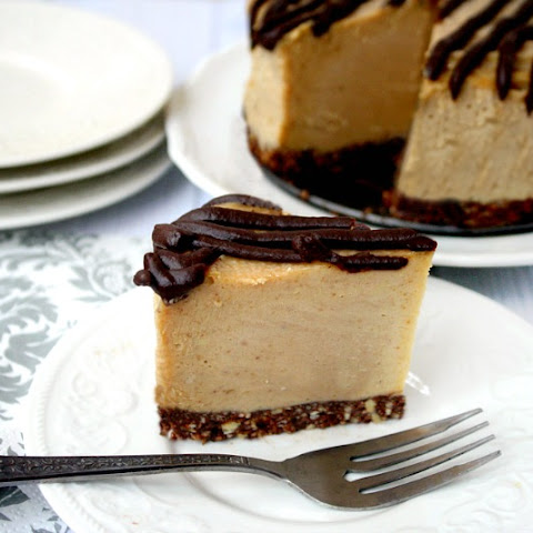 "Vegan No-Bake Peanut Butter Cheesecake (""Almost Raw"", Vegan, Gluten-Free, Dairy-Free, No-Bake, No Refined Sugars)"