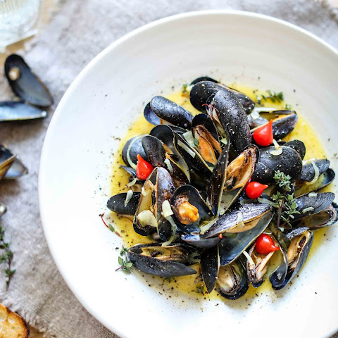 Steamed Mussels with buttery saffron sauce (Gluten free)