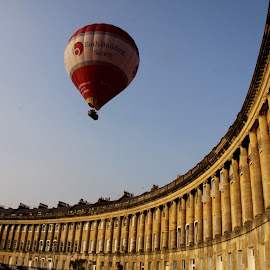 Royal Crescent and balloon by Mike Thornberry - Buildings & Architecture Public & Historical ( hot air balloon, royal crescent, beautiful, bath, postcard )