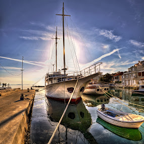 Boat and the sun set by Beeback AlterEgo Biba - Transportation Boats ( hdr, sunset, sea, weather, boat,  )