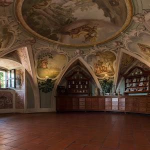 DušanGajšek_Ena najstarejših apotek v Evropi v Olimju – kopija.jpg