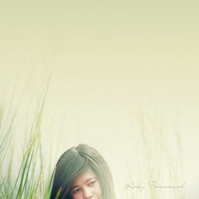 ... think ... by Ricky Firmansyah - People Portraits of Women
