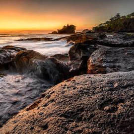 tune by Raung Binaia - Landscapes Beaches