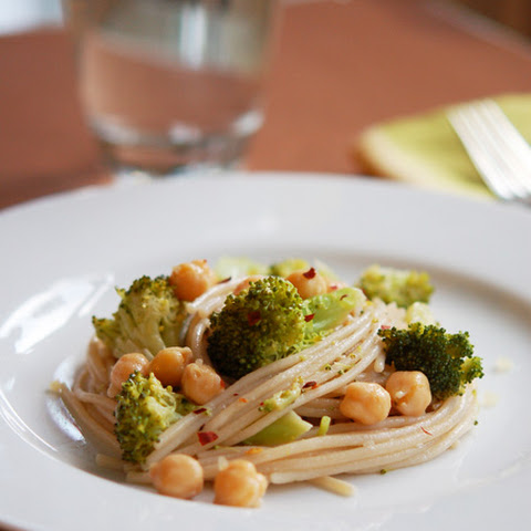 Broccoli & Chickpea Brown Rice Pasta