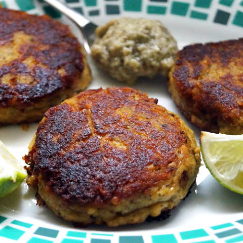 5 Ingredient Salmon Patties (Paleo, AIP)