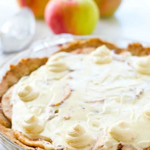 Snickerdoodle Apple Cheesecake Pie