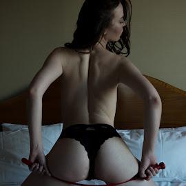 by Dean McEwan - Nudes & Boudoir Boudoir