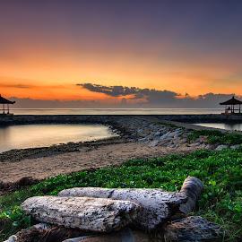 The gazebo by Kori Wardhana - Landscapes Sunsets & Sunrises ( cloudy, sunrise, view, morning, landscape, gazebo, sun )