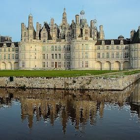 Chambord castle by Gérard CHATENET - Buildings & Architecture Public & Historical