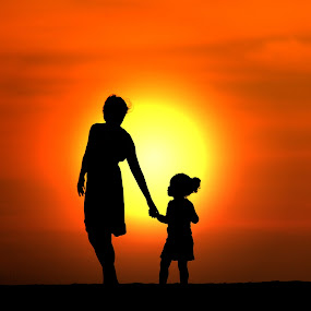 Big Sunset by Alit  Apriyana - People Family ( mom and 'kid', mom with  kids, holding hands )