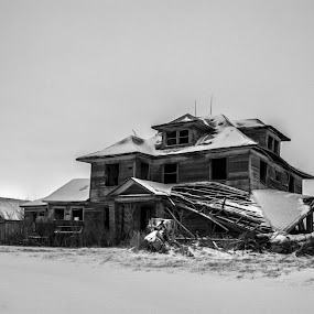 Lost and Abandoned by Aaron Rigsby - Buildings & Architecture Homes ( old, ohio, north, haunted, abandoned house, west )