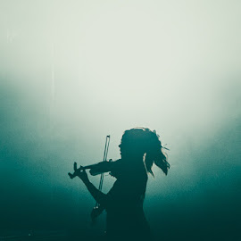 Lindsey Stirling by Denis Ono - People Musicians & Entertainers ( music, concert, live performance, concert photography, musician, lindsey stirling, music photography )