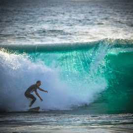by Ed Mullins - Sports & Fitness Surfing