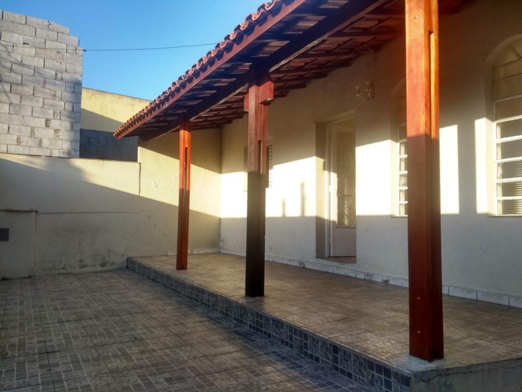 Casa térrea com 3 dormitórios à venda ou locação - Cruzeiro - Bragança Paulista/SP