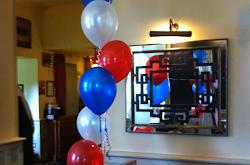 Floor standing helium balloon cluster