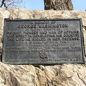 IN MEMORY OF GEORGE WASHINGTON OF FAIRFAX COUNTY, VA. PATRIOT, PIONEER AND MAN OF AFFAIRS, WHO SPENT IN DEVELOPING HIS COUNTRY THE LIFE HE RISKED IN HER DEFENSE. THIS IS EXEMPLIFIED IN THE PATOWMACK ...