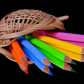 HAIR CLIP WITH PENCILS by SANGEETA MENA  - Artistic Objects Other Objects