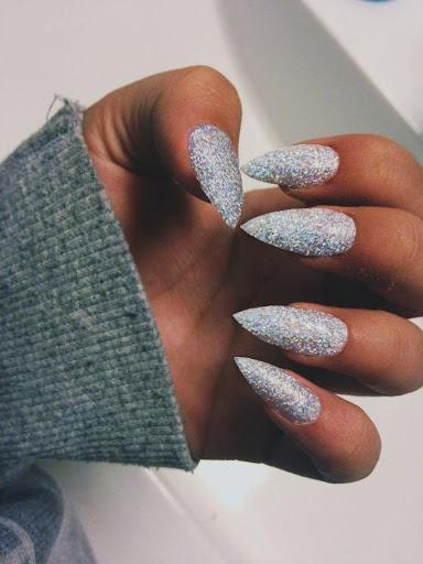 Фото идеи острых ногтей