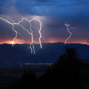 LBI_6361-Lightning Spread over Cache Valley.jpg