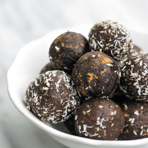 No Bake Honey Cocoa Energy Bites
