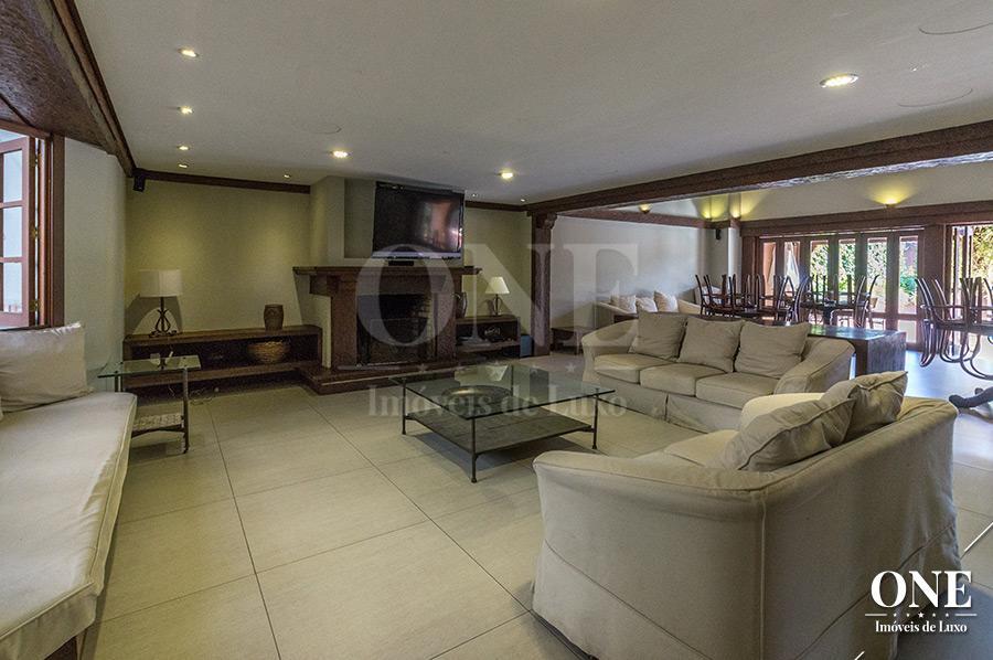 Casa de 4 dormitórios à venda em Boa Vista, Porto Alegre - RS