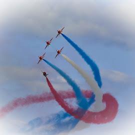 The Twister by Simon O'Neill - Transportation Airplanes ( red arrows, airplane, transportation, stunt, airshow )