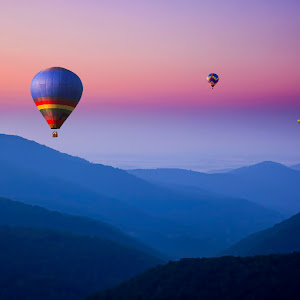 MDiRenzo-Foggy Mountain Balloon Festival 1784.jpg