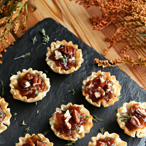 Mini Tarts with Goats Cheese and Onion Spread