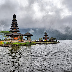 Pura Bedugul Bali by Handy Nordy Fariza - Buildings & Architecture Other Exteriors ( bedugul, danau, alam, pura, kabut )