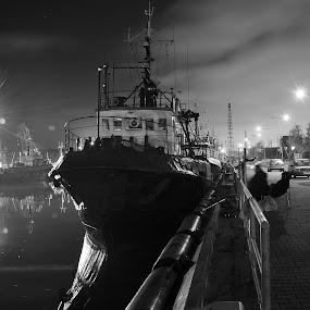 night fishing by Dalia Račkauskaitė - Transportation Boats