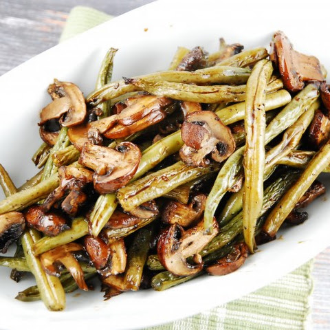 Balsamic Garlic Roasted Green Beans And Mushrooms – 2 Smart Points