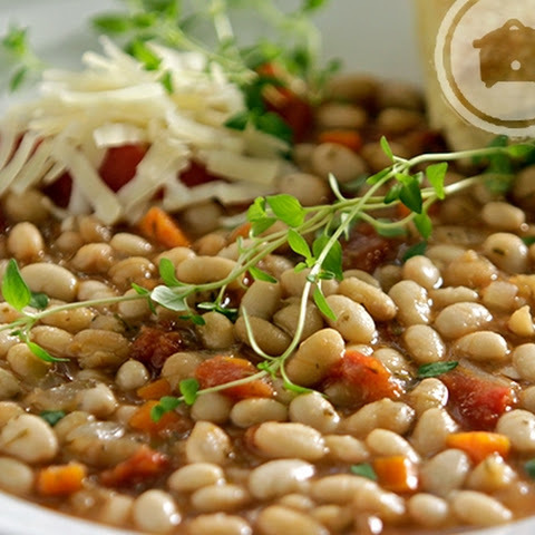 Slow Cooker Tomato and Herb White Beans