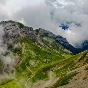 Mont Pilatus by Radu Eftimie - Landscapes Mountains & Hills ( clouds, pilatus, switzerland, summit, alps )