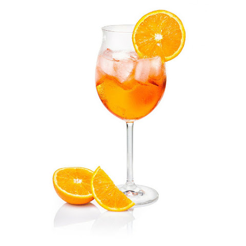 Classic Italian Spritz Cocktail For Hot Summer Nights