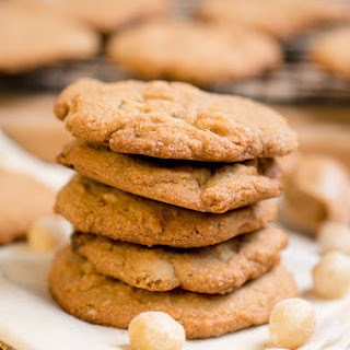 Paleo White Chocolate Macadamia Nut Cookies