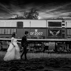 Train to taunggyi by Hein Aung - People Couples ( black and white, couple )