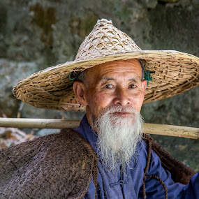 Whitebeard by David Long - People Professional People ( li river, cormorant fisherman, guilin )