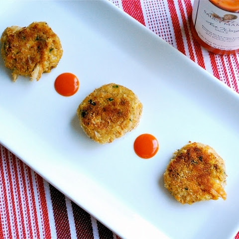 Spicy Mini Crab Cakes (and a Giveaway!)