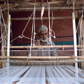 Traditional Cloth Making by Tahir Sultan - Artistic Objects Clothing & Accessories ( #traditionalmachines, #nikon, #islamabad, #clothesmaking, #pakistan )