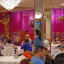 Chinese Familiar Restaurant by Joatan Berbel - People Family ( cultural heritage, colorful, chinatown, restaurant, chinese )