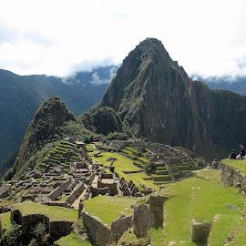 Machu Picchu by Marius - Landscapes Travel ( clouds, mountains, peru, ruins, machupicchu, inca )