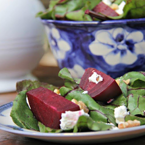 Best Beet with Goat Cheese and Walnut Salad