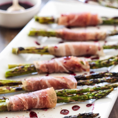 Prosciutto Wrapped Grilled Asparagus with Red Wine Drizzle