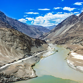 Confluence of Zanskar & Indus river.. by Ashish Jain - Landscapes Mountains & Hills