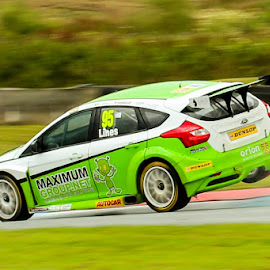 Stewart Lines catching Air by Martin Thomson - Sports & Fitness Motorsports ( btcc, apex, air, lines, motorsport, ford )