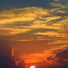 Peeking Sunshine by Briand Sanderson - Landscapes Sunsets & Sunrises ( water, ocean, sunrise, coastal, sun, hawaii )