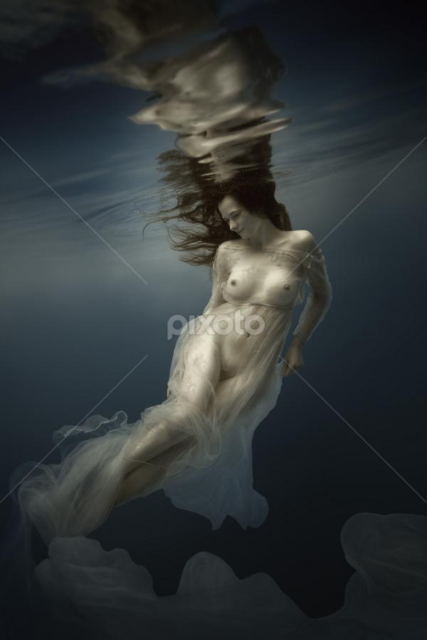 Mystic by Dmitry Laudin - Nudes & Boudoir Artistic Nude ( water, nude, girl, blue, underwater, beautiful, swim, white, transparent )