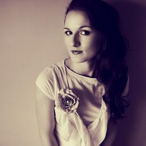 Ivana by Marina Jambrec - People Portraits of Women ( jambrec, marina, photography )